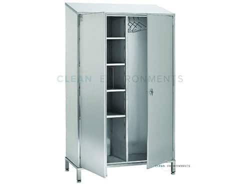 Cleanroom wardrobe with shelves